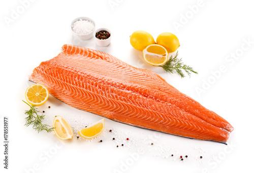 Tablou Canvas Raw salmon fillet on white background