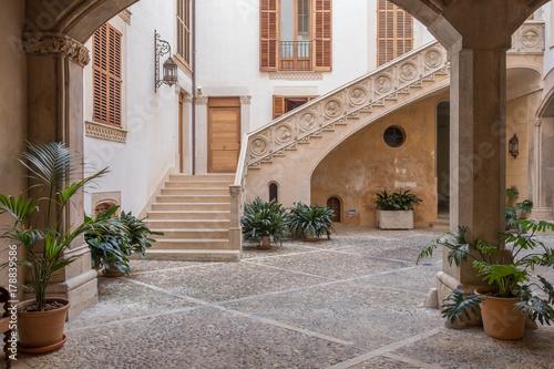 Courtyard - Palma Fototapeta