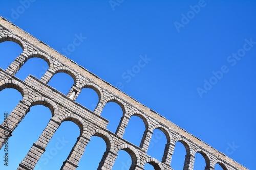 Obraz na płótnie The famous ancient aqueduct in Segovia.