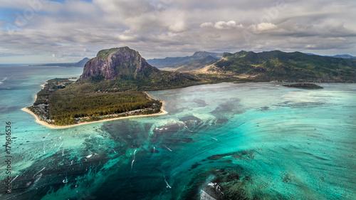 Canvas Print Underwater Waterfall in Mauritius