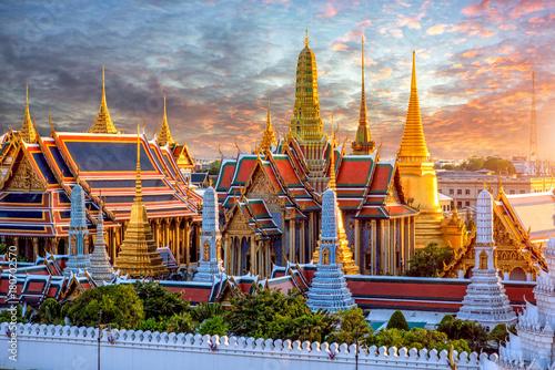 Canvas Print Grand palace and Wat phra keaw at sunset at Bangkok, Thailand