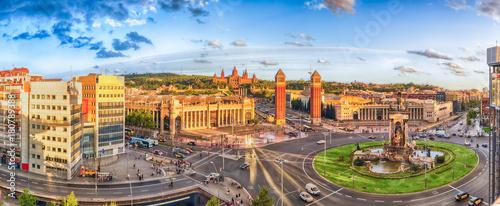 Naklejki na meble Panoramiczny widok z lotu ptaka Placa d'Espanya w Barcelona, Catalonia, Hiszpania