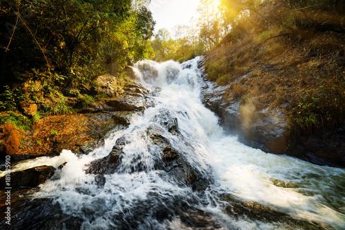 Fototapeta Wodospad Datanla w Wietnamie XXL