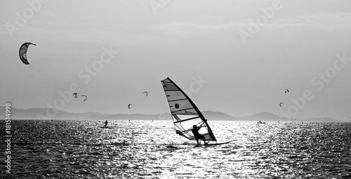 windsurf against the light