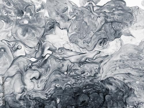 czarno-bialy-marmur