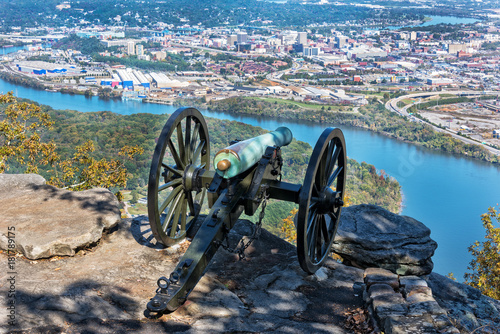 Obraz na plátne Civil War Cannon Overlooking Chattanooga Tennessee
