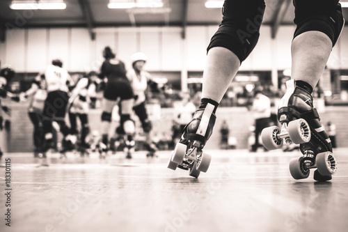 Fotografía Legs of a roller derby player - close up