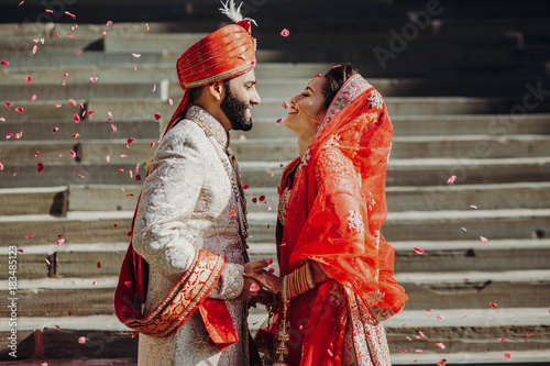 Indian couplegetting married, India