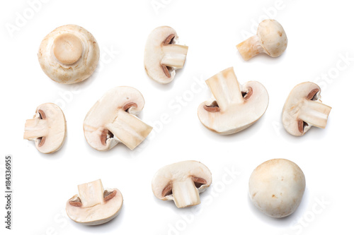 Fotografia mushrooms isolated on white background. top view
