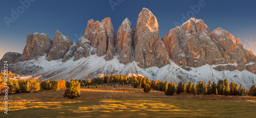 Canvas Print Autumn colours in the Dolomites mountains, beautiful landscape, Italy, Europe