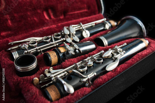 Foto Disassembled clarinet in its case