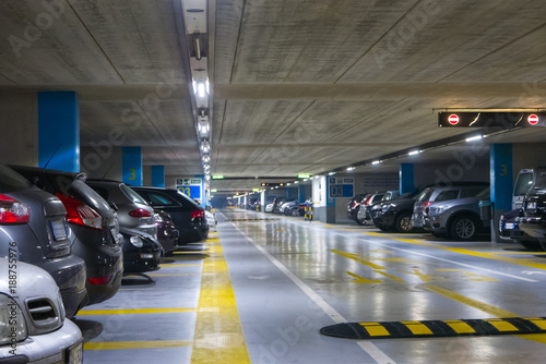 Canvas Print Large multi-storey underground car parking garage
