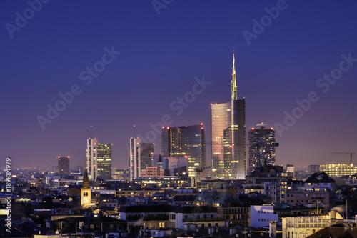Naklejki na meble Nocna Architektura miasta Mediolan