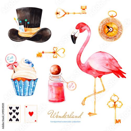 Fototapeta premium Kolekcja Wonderland. Magiczny zestaw akwareli z babeczką i butelką z etykietą z tekstem, złote klucze, karty do gry, zegar, flaming i kapelusz. Idealny na tapetę, druk, zaproszenie, urodziny, wesele, logo