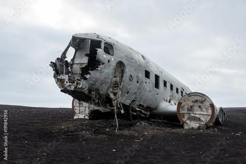 Abonded Airplane DC wreck in Iceland solheimasandur фототапет
