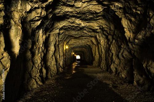 Naklejka na szafę Ciemny tunel