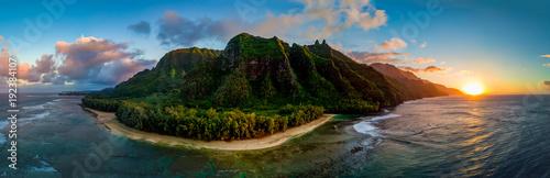 Carta da parati Aerial View of Hawaii's Na Pali Coast, Kauai