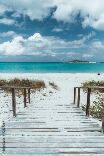 Naklejki na meble zejście na plażę na Bahamach