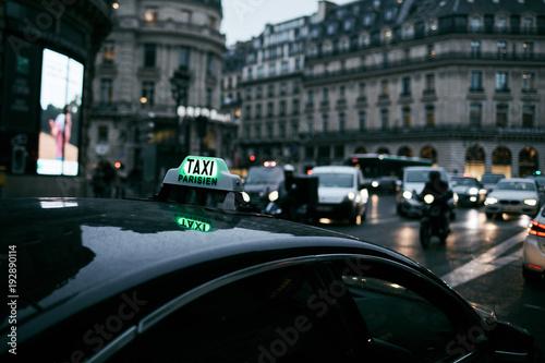 Taxi in attesa a parigi Tapéta, Fotótapéta