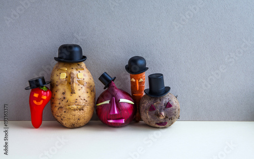 Платно Mister potato red onion beetroot pepper carrot