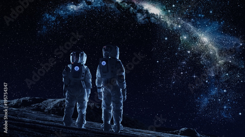 Fotografia Crew of Two Astronauts in Space Suits Standing on the Moon Looking at the The Milky Way Galaxy