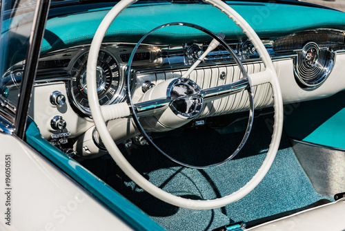 Canvas Print Turquoise Car 5