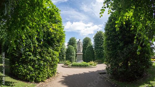 Stampa su Tela Statue in Grosvenor Park, Chester