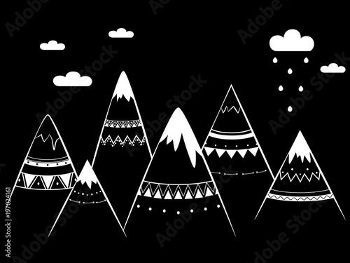 Góry w stylu czarno-białym