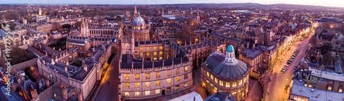 Fotografia Aerial evening view of central Oxford, UK