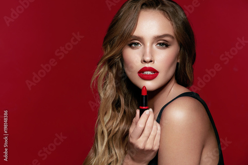 Stampa su Tela Red Lips Makeup. Female Model With Beauty Makeup.