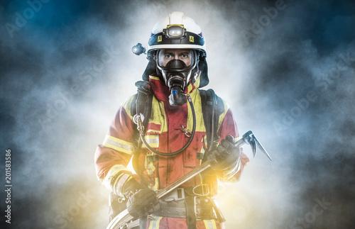 Obraz na płótnie Hero - Firefighter