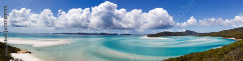 Fotografia Aerial view of Hill inlet with tropical lagoon and Whitehaven beach in the distance