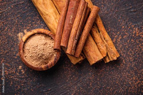Tableau sur Toile Ceylon cinnamon and cassia, sticks and powder