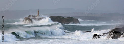 Obraz na płótnie Isla de Mouro en Cantabria