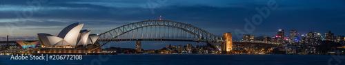 Photo Sydney harbour at dusk, Sydney NSW, Australia