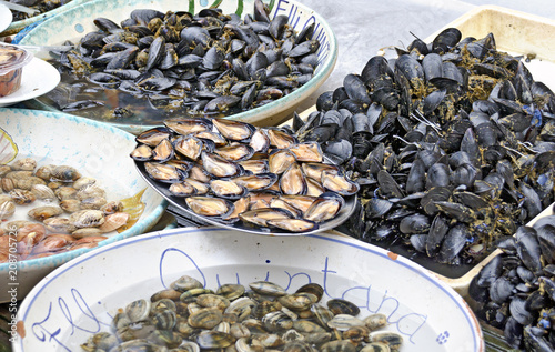 mussels at the fish market