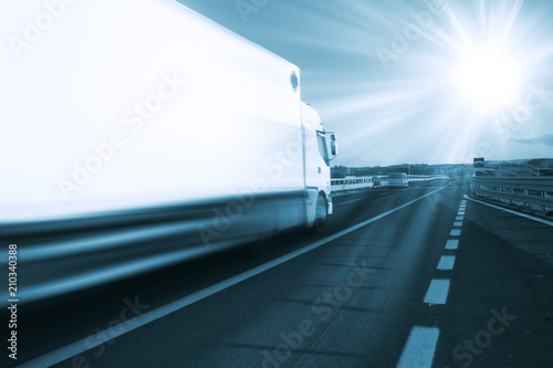 Camion nella strada