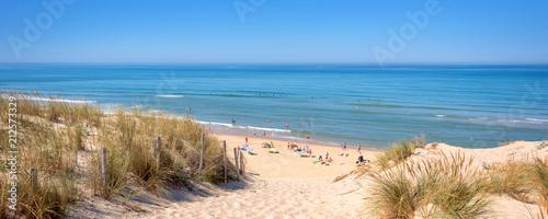 Foto Panorama of the dune and the beach of Lacanau, atlantic ocean, France