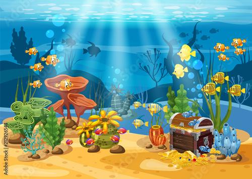 Fototapeta premium Podwodny skarb, skrzynia na dnie oceanu, złoto, biżuteria na dnie. Podwodny krajobraz, korale, wodorosty, ryby tropikalne, wektor, styl kreskówki, na białym tle