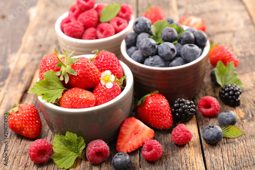 Fotografie, Obraz assorted berry fruit