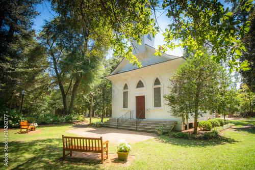 Stampa su Tela Little White Wedding Chapel