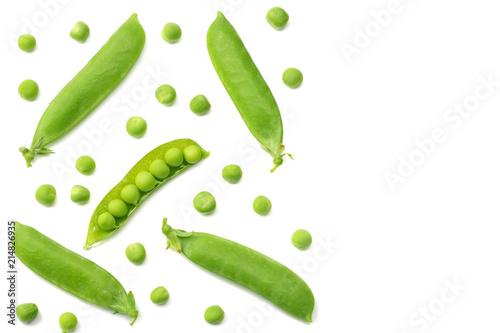 Carta da parati fresh green peas isolated on a white background. top view