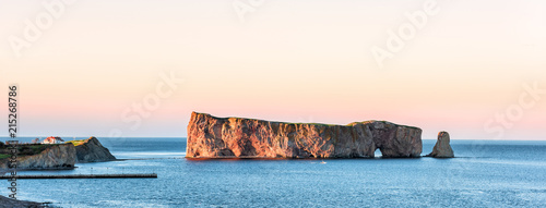 Fotografija Famous large Rocher Perce rock in Gaspe Peninsula, Quebec, Gaspesie region, Cana