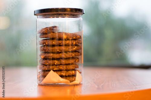 Cuadros en Lienzo cookie in glass jar on wooden table
