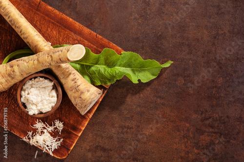 Canvastavla Raw horseradish roots and grated.