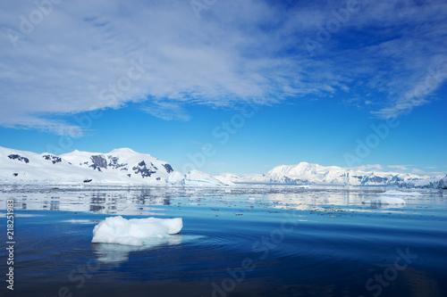 Wallpaper Mural landscape of south pole
