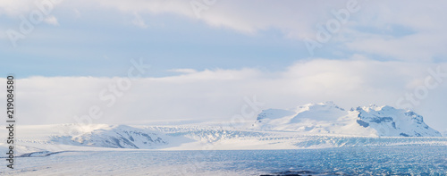 Fotografia Glaciers and iceberg panorama in jokulsalon lagoon Iceland