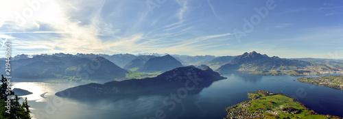 Fotografia Panoramic view on Lake Lucerne, Mount Pilatus and Swiss Alps