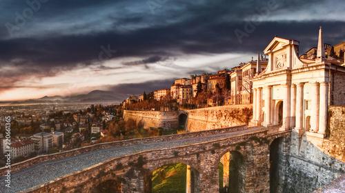 Canvas Print Bergamo's walls Italy
