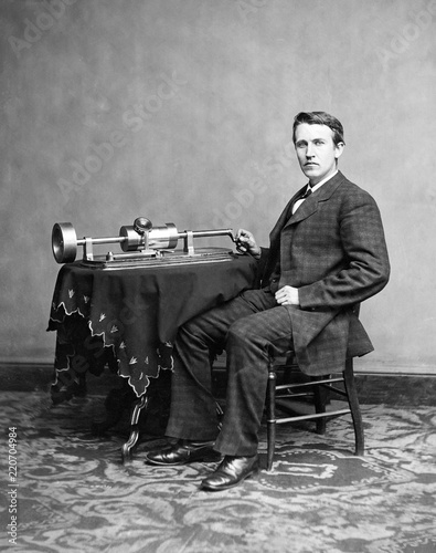 Obraz na plátne Portrait of  Thomas Alva Edison with phonograph